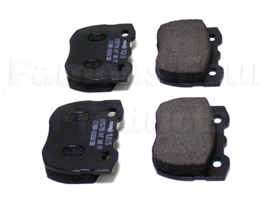 FF001453 - Front Brake Pads - Land Rover 90/110 and Defender