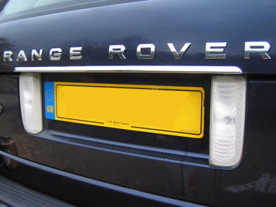Chrome-Effect Tailgate Lettering