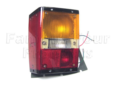 Picture of FF006193 - Rear Light Assembly Complete (no fog lamp type)