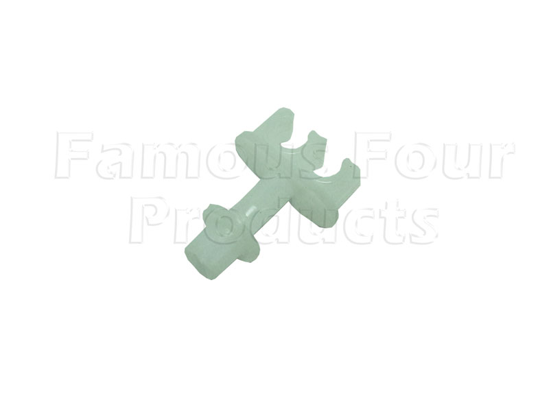 FF012086 - Plastic Clip for Securing Two 3/16 Brake Pipes - Land Rover Series IIA/III